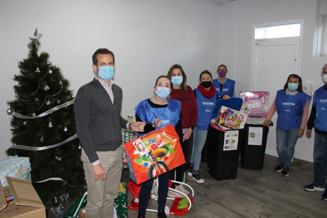 Industrias Tayg colabora con la Fundación Iniciativa Social en su campaña navideña